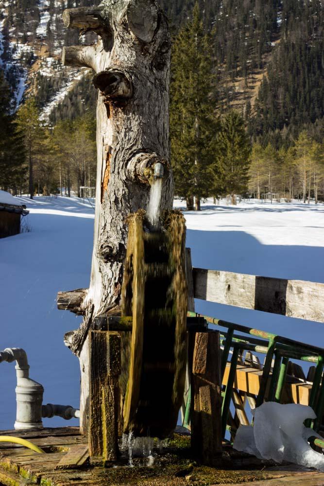 Brunnen im Schnee
