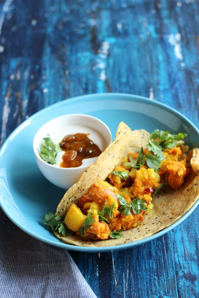 Indischer Dosa gefüllt mit Süßkartoffel und Karotte - lenasfoodforfriends
