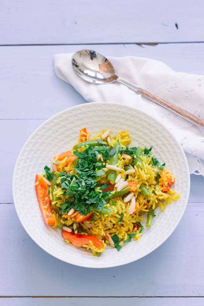 One-Pot-Gericht mit Reis und grünen Bohnen