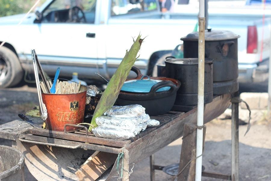 Maiskolben am Straßenrand in Mexiko