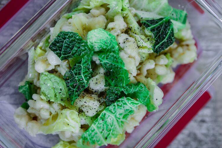 Käse Spätzle mit Wirsing als Lunch Prep idea