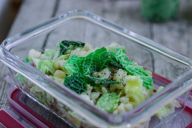 Lunch Prep -Käsespätzle mit Wirsing