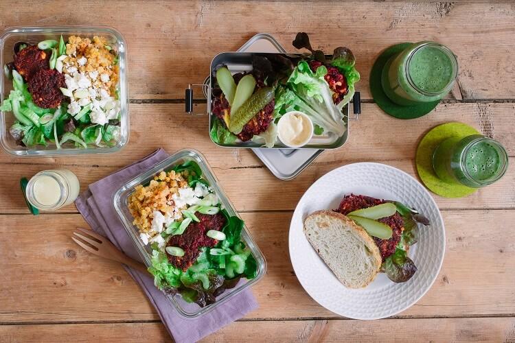 Gesund kochen für zwei Tage – Salat, Veggieburger und Smoothie