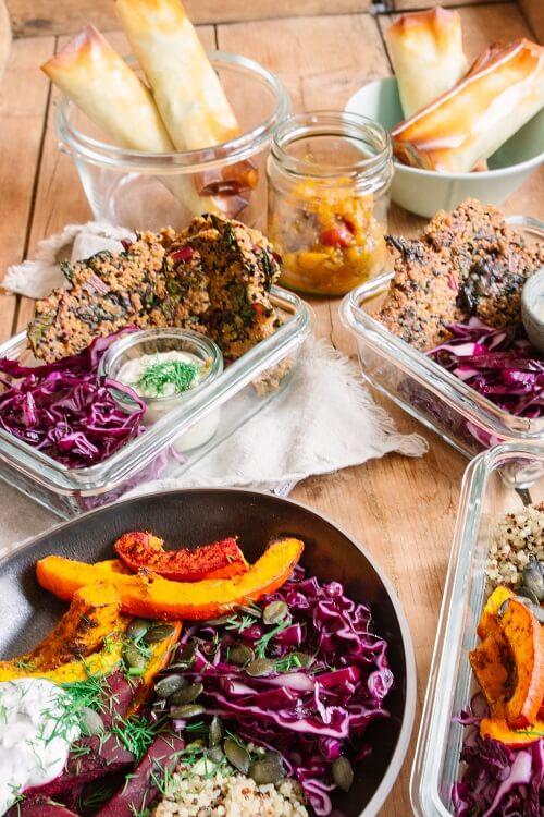 Meal Prep vegetarisch für 6 Tage mit Bratlingen, Frühlingsrollen und Buddha Bowl