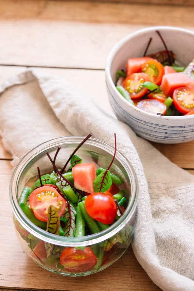 Meal Prep Salat mit Tomaten - vegan und low carb