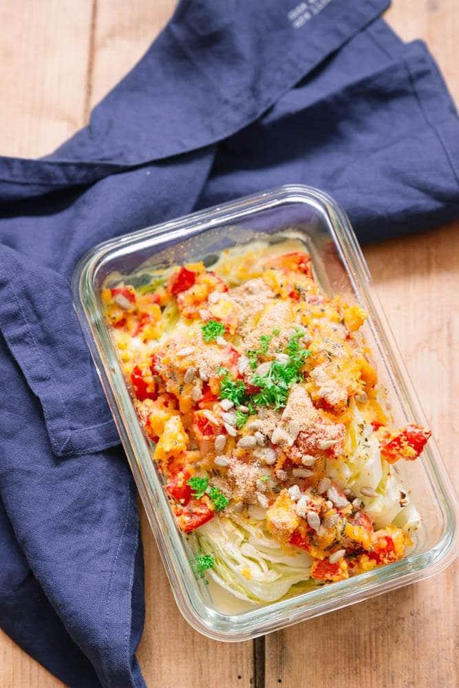 Spitzkohl-Auflauf vorbereiten als Essen für Gäste