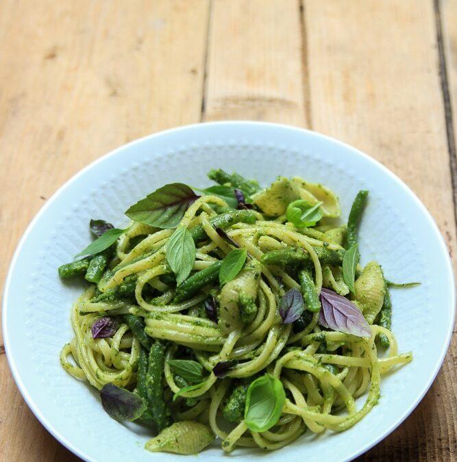 Pasta mit Bohnen und Basilikum-Pesto oder warum Nachbarn manchmal doch nicht so schlimm sind